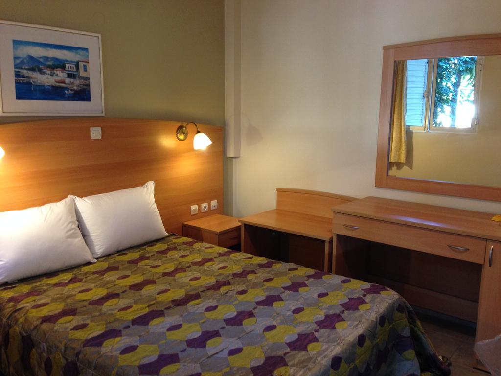 Kefalonia Accommodation Paspalis Hotel Skala Kefalonia